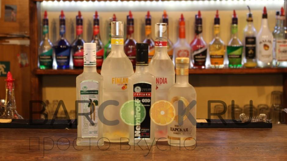 Правила исконно русского застолья всегда подразумевали наличие на столе бутылки хорошей водки