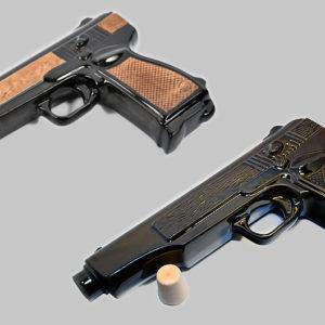 Фарфоровый штоф в виде пистолета АПС