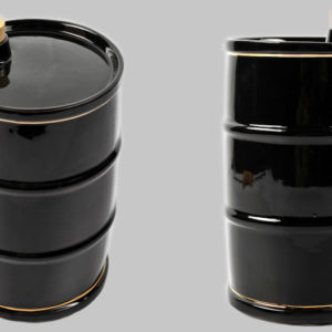 Фарфоровый штоф в виде бочки (баррель нефти)