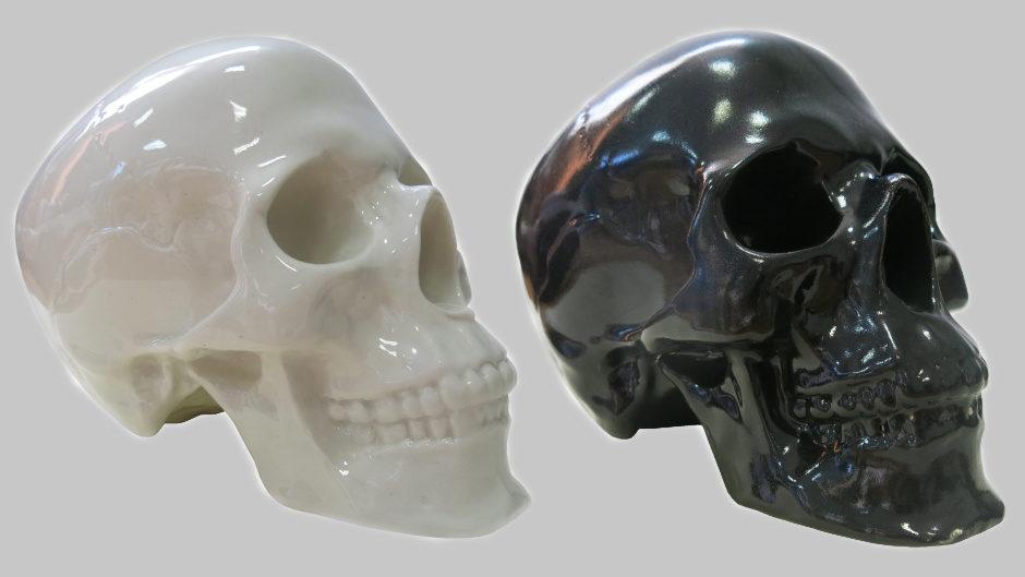 Фарфоровый штоф в виде черепа