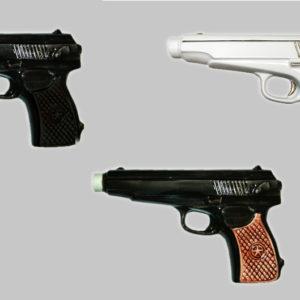 Фарфоровый штоф в виде пистолета Макарова