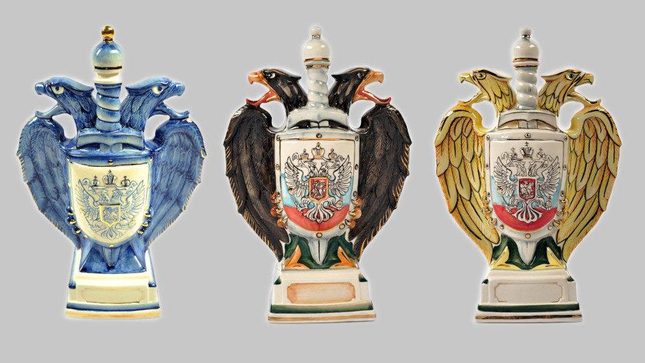 Фарфоровый штоф в виде двуглавого орла