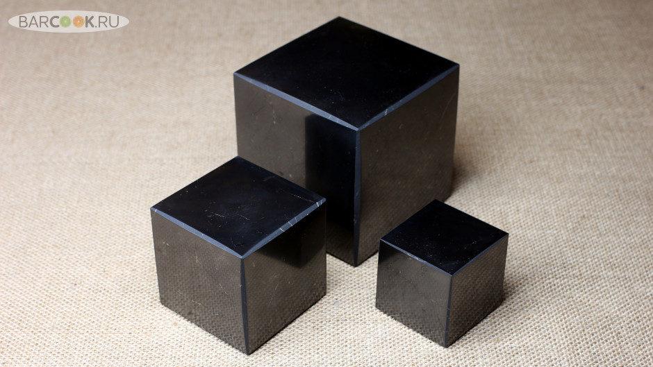 Полированный куб из шунгита ручной работы