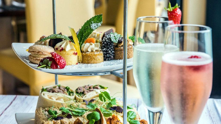 Чем закусывать шампанское и как правильно пить