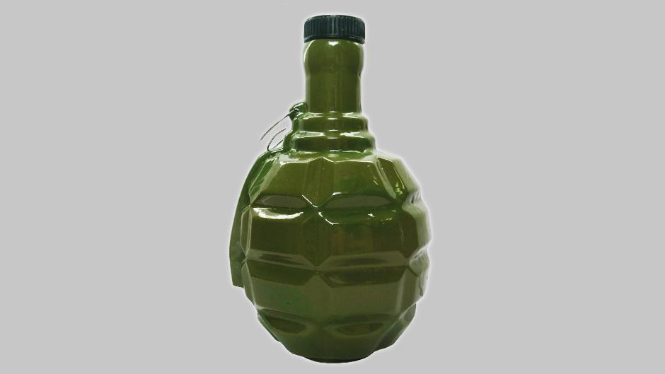 Фарфоровый штоф в виде гранаты лимонки (Ф1)