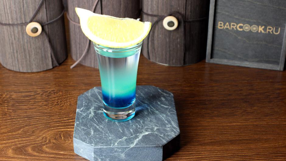 Как приготовить коктейль Голубая Лагуна Шот (Blue Lagoon Shot)