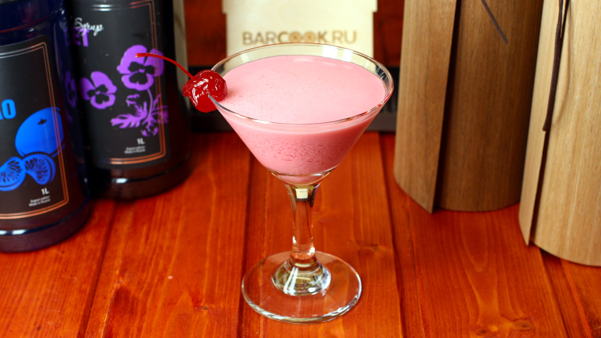 Как приготовить коктейль Розовая Леди (Pink Lady)